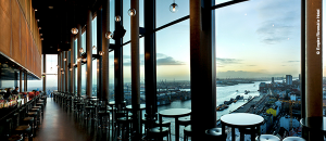 Take a private jet and enjoy the nightlife of Hamburg