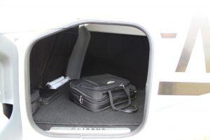 de bagageruimte van een privé jet en luchttaxi
