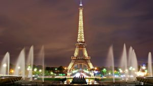 visitez-paris-en-taxi-aerien-visit-paris-in-air-tax