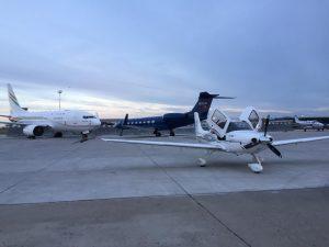 propeller vliegtuig Cirrus SR22 versus privé jet