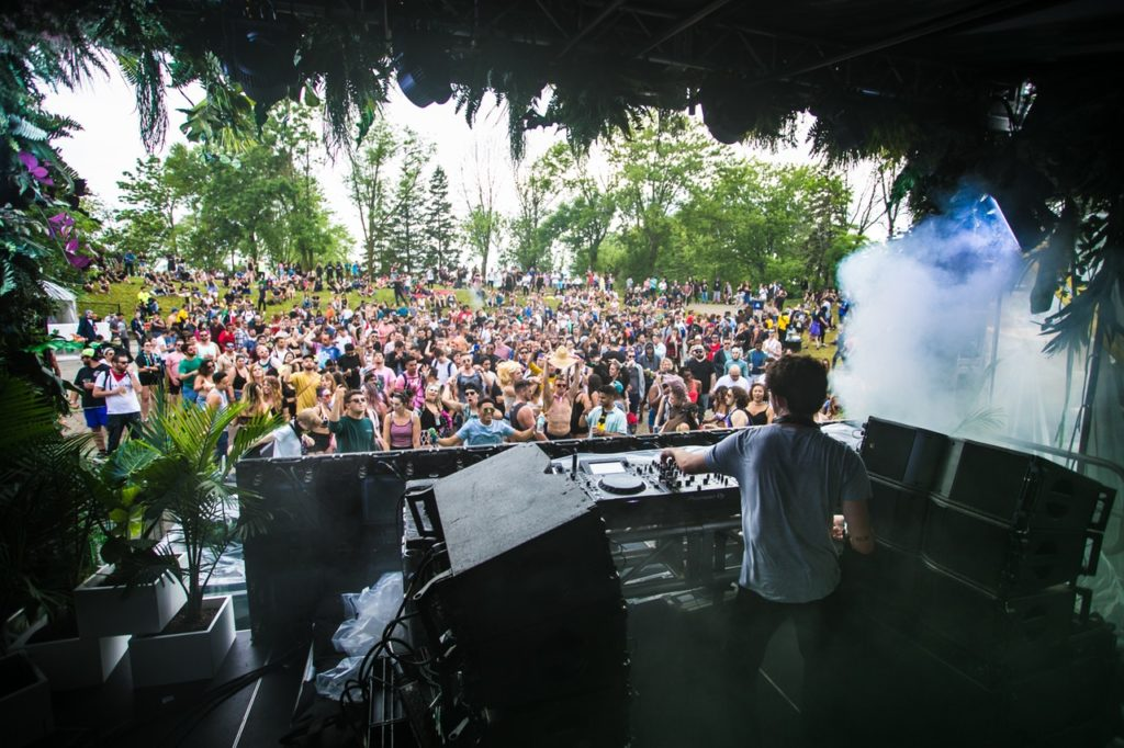 dj playing in front of crowd; Festival Highlights Europa
