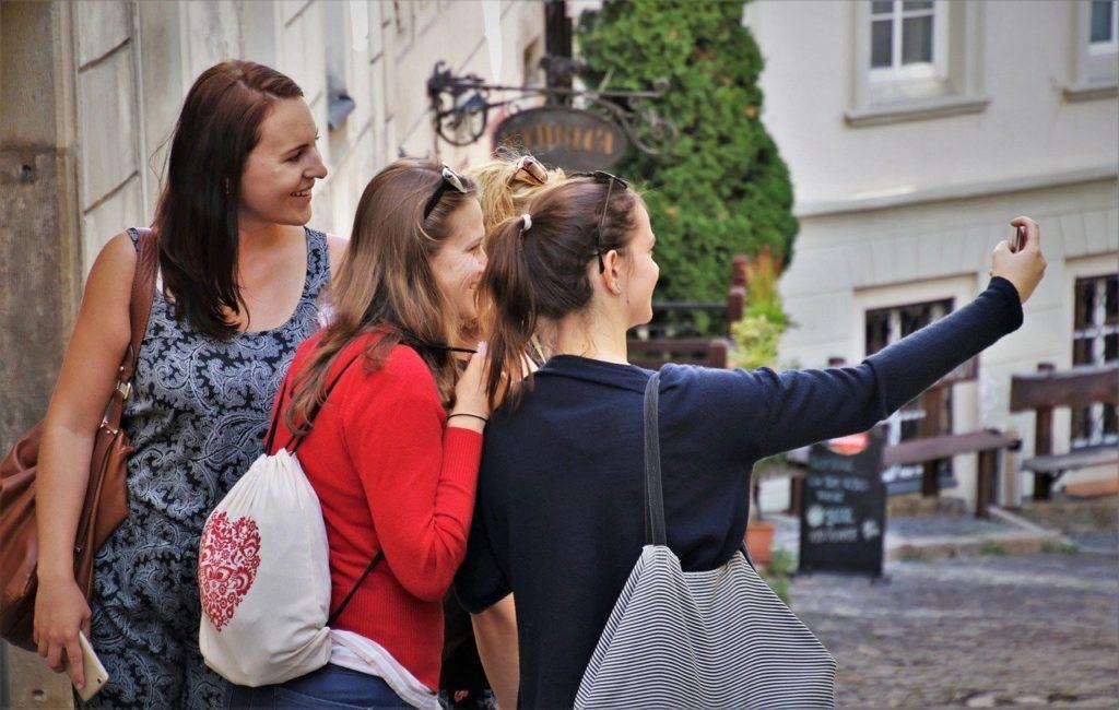 generation y selfies