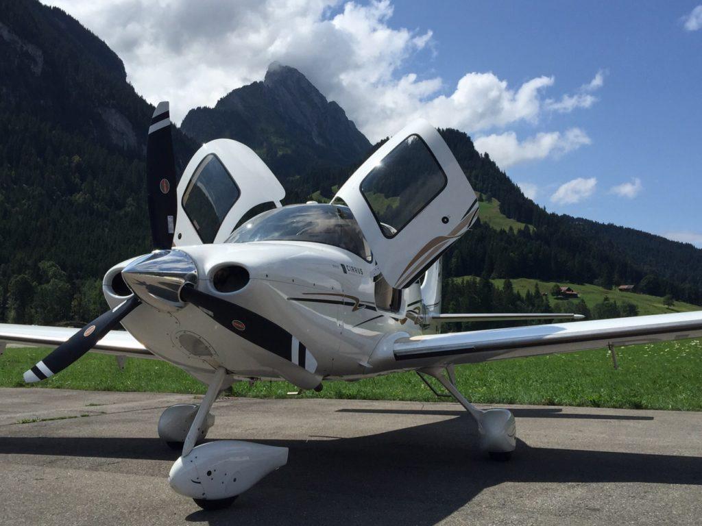 Private Jet flight to Samedan