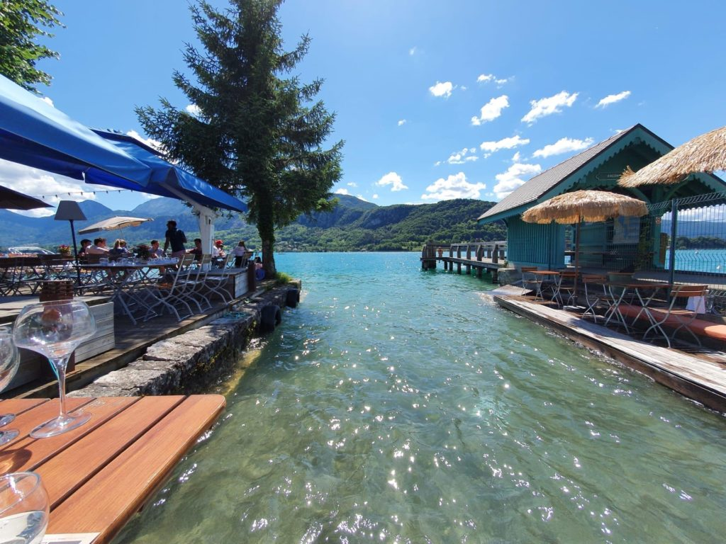 lac of annecy to drink