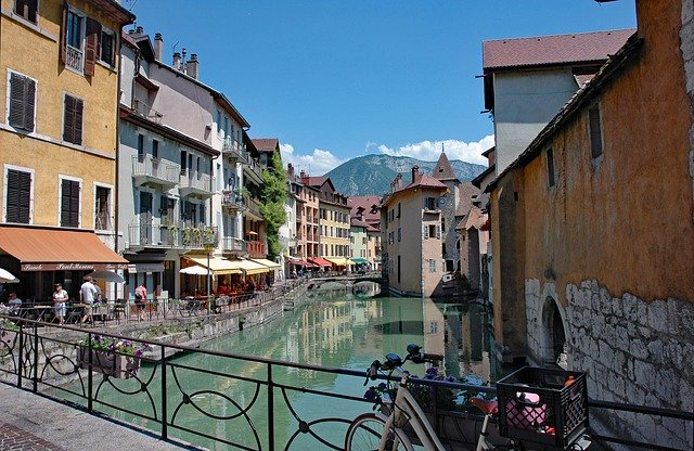 visiting the old city of Annecy