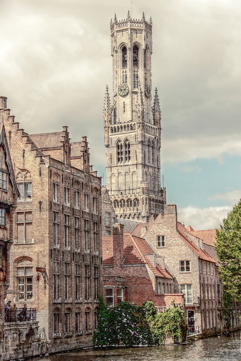 Get a view on the Belfort in Bruges by using an air taxi.