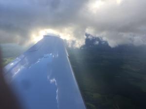 Wetterbedingungen Flugzeuge: Fliegen durch Wolken