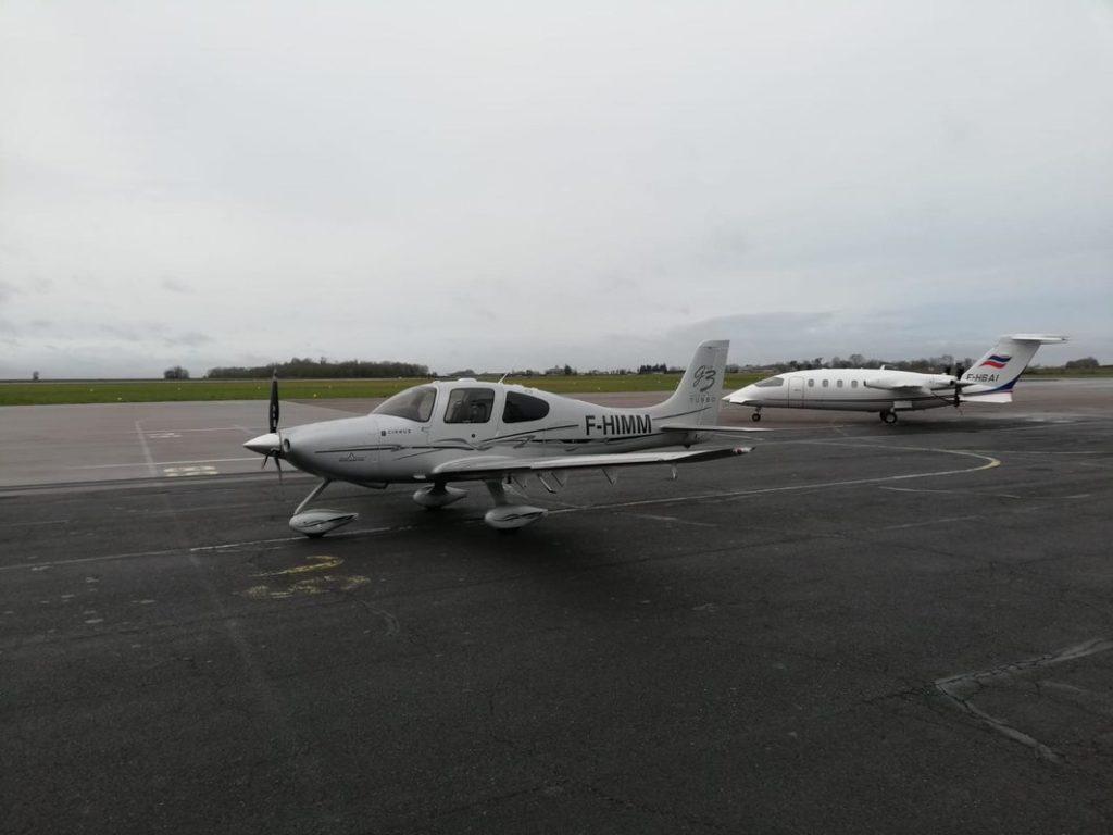 Privatflugzeug buchen: Cirrus