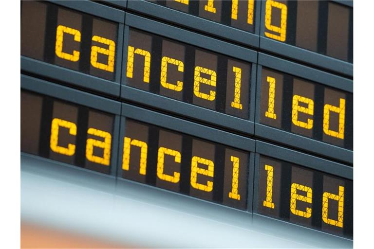 flight cancellations at commercial airlines